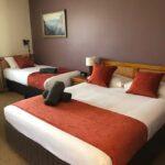 Twin-Room_672-672x720